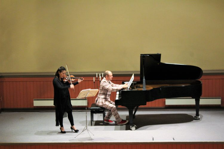 Aksel Kolstad og Ai-Ling Chiu spiller på Sobra Scene.