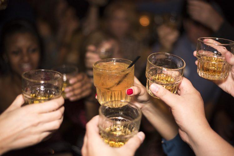 alcohol-492871_960_720