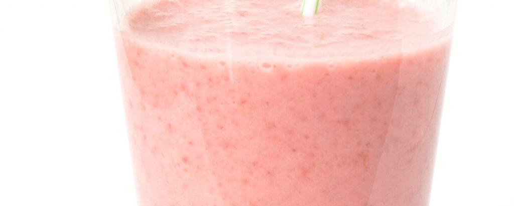 Rabarbra- og jordbærdrikk