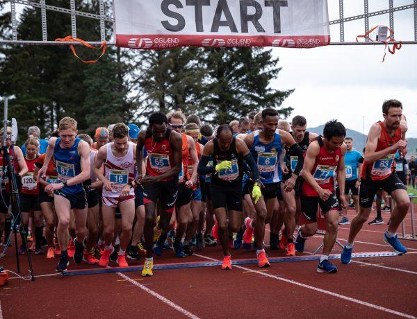 Løpere i Sandnesløpet. Få gratis startnummer til Sandnesløpet