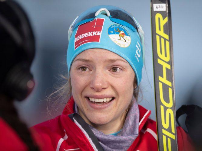 Skjermdump av skiløper Magni Smedås som blir intervjuet av reporter