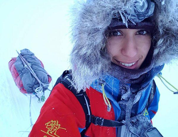 Selfie av Ekspedisjonsjenta Amy Mir med Pulk